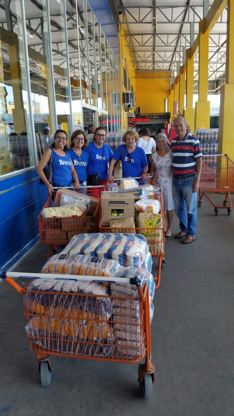 Compra e entrega de alimentos para cesta de natal dos assistidos da Paroquia Nossa Senhora do Perpétuo Socorro