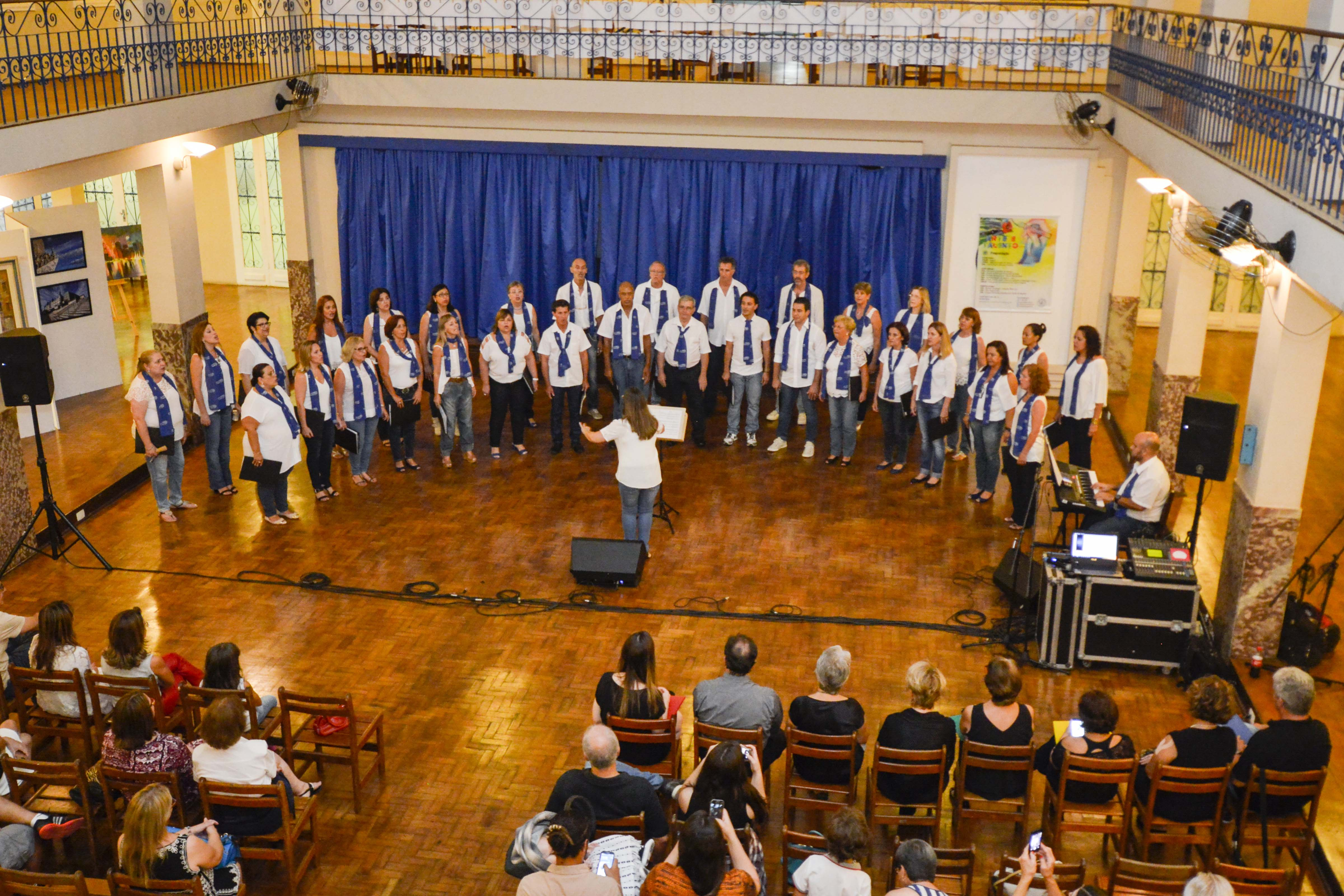 Apresentação na exposição Arte e Talento do Clube Jundiaiense (1º/04/2016) - Sede Central – Clube Jundiaiense