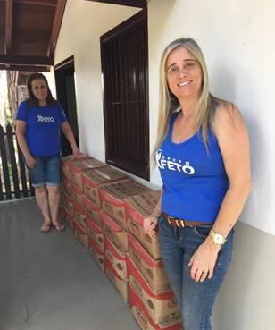 Doação de cestas básicas para Gippa que atende pessoas com AIDS