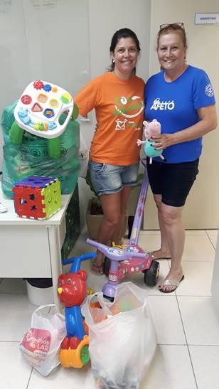 Doação de brinquedos doados para projeto Cuidar